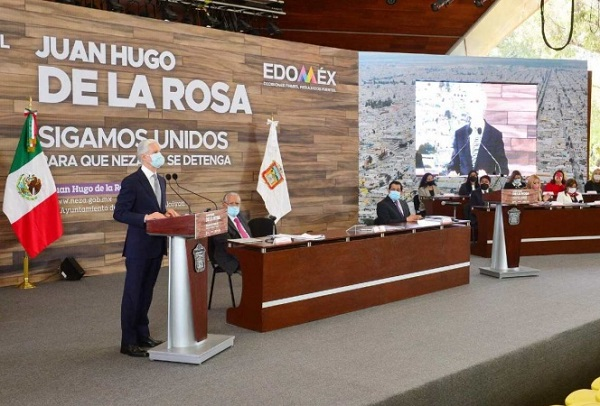 Alfredo del Mazo entrega reconocimientos a personal médico y pide no bajar la guardia